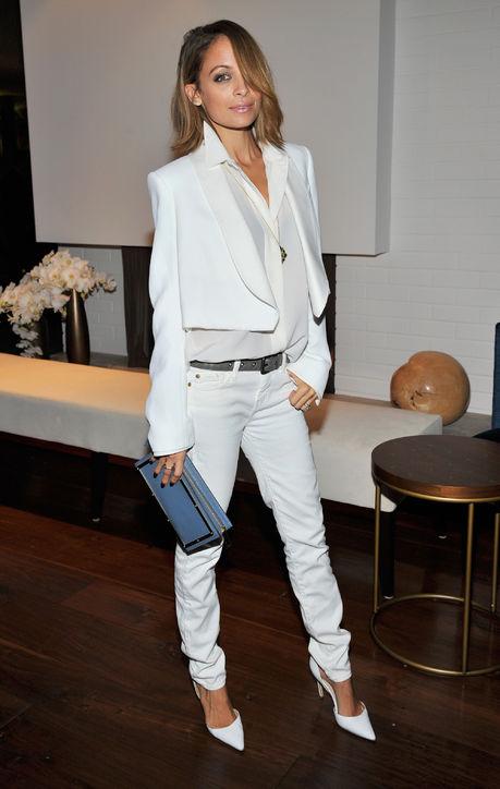 nicole-richie-chloe-white-jeans-blazer-h724
